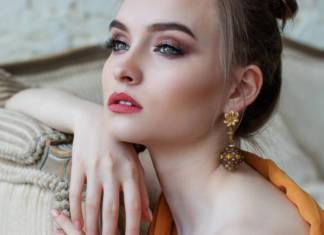 Jak robić kreski eyelinerem?