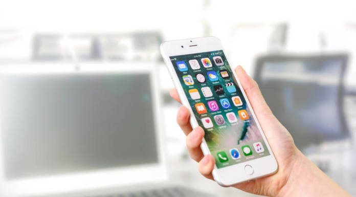 Płać za bilety mobilnie – jak działa bilet w telefonie?